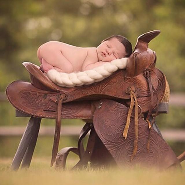 Bons sonhos para todos, amanhã vai ser um dia ainda melhor! ??? Foto: Emma Stasko #vestidademae #fofo