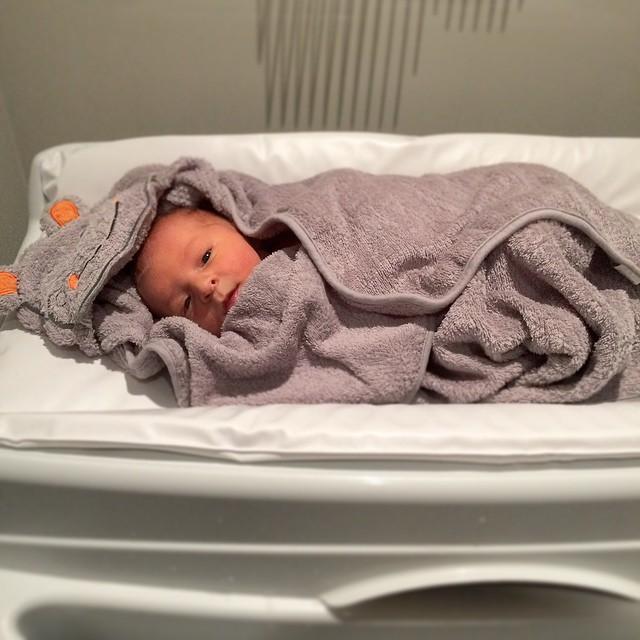 Vou escrever o que todas as mães já sabem: estes primeiros dias em casa não são tão fáceis! Mas valem cada segundo. #MundodoNicolasF #maioramordomundo ?